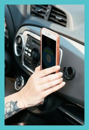 popsocket+travel+elise+darma+instagram+gift+guide