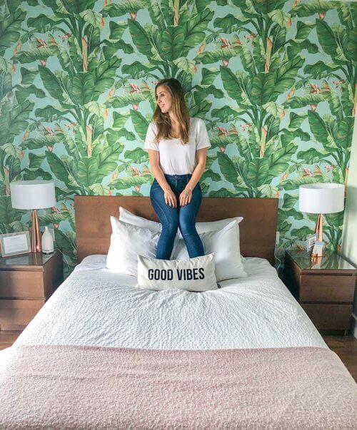 June motel review - Elise Darma